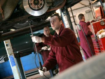 Visit PTA Garage Services Edenbridge for a wide range of fast-fit services at competitive prices