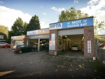 The exterior of our PTA Garage Services Bromley branch