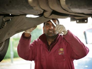 Visit PTA Garage Services Bromley for a wide range of fast-fit services at competitive prices